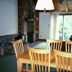 Southcape Resort and Club - Dining Area/Fireplace