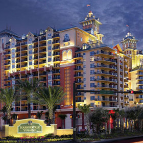 Emerald Grande at HarborWalk Village Exterior