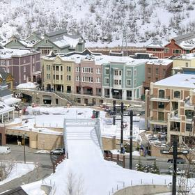 Ski into town - 90 restaurants & specialty shops