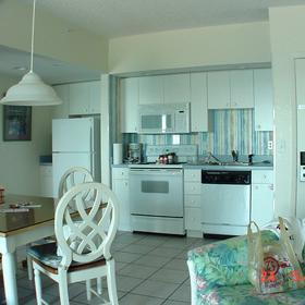 Coconut Palms II Beach Resort - Unit Kitchen