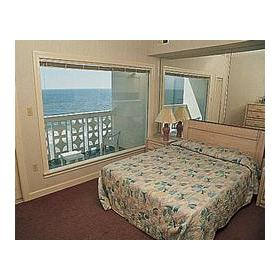 Riptide II Beach Club - Unit Bedroom
