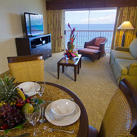 Kaanapali Beach Club Living and Dining Area