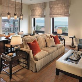 Fairmont Heritage Place - Ghirardelli Square Living Area