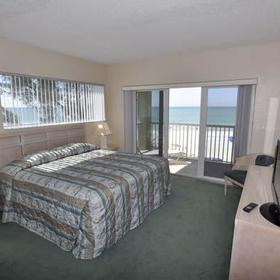 Bay and Beach Club - Master Bedroom