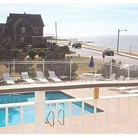 Captain's Quarters at Surfside - Pool