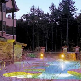 Wyndham Sundara Cottages at Wisconsin Dells Outdoor Pool