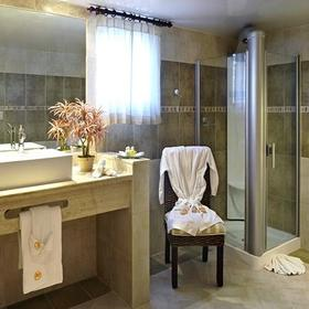 The Crown Villas at Lifestyle Holidays Vacation Resort Bathroom