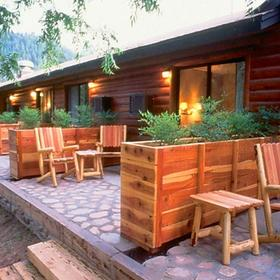 Kohl's Ranch Lodge Deck