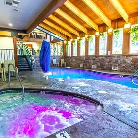 Mountain Retreat Pool and Hot Tub