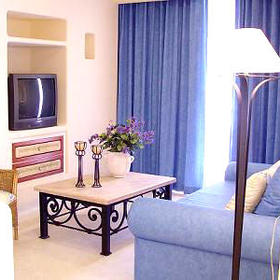 Torrenza Boutique Resort - Unit Living Area