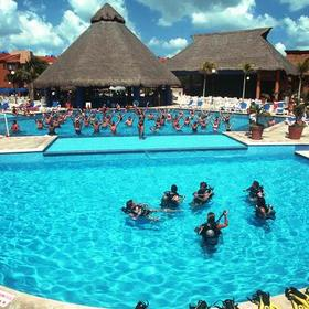 Viva Wyndham Maya - Pool
