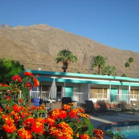 The Villas of Palm Springs Exterior