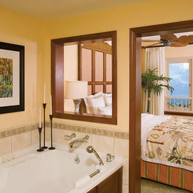 Marriott's Maui Ocean Club - Lahaina Villas Bathroom