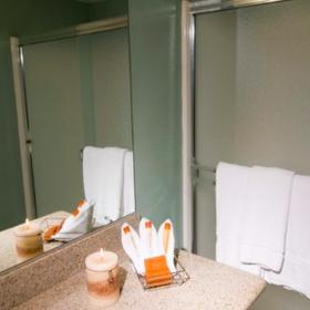 Riviera Oaks Resort & Racquet Club Bathroom