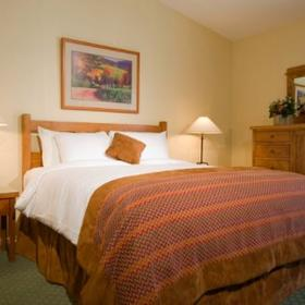 Riviera Oaks Resort & Racquet Club Bedroom