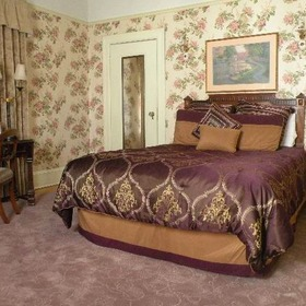 Jackson Court City Shares Bedroom