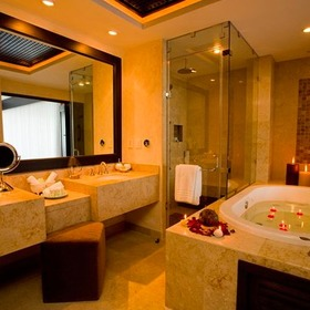 Garza Blanca Preserve Resort & Spa Bathroom