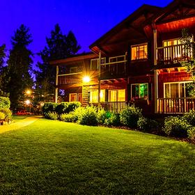 Red Wolf Lakeside Lodge Exterior