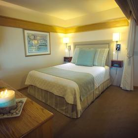 Harbortown Point Marina Resort & Club Bedroom