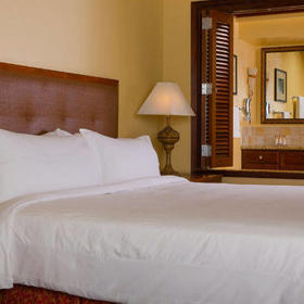 Marriott's Ko Olina Beach Club Bedroom