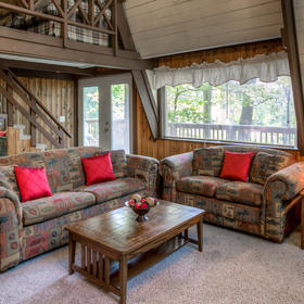 Club Chalet of Gatlinburg - 4A Living Area