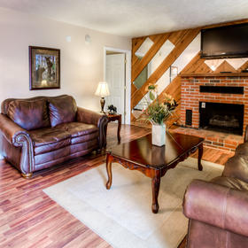 Club Chalet of Gatlinburg - 6D Living Area