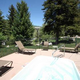 StreamSide at Vail Hot Tub