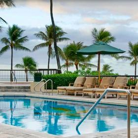 Hilton Grand Vacations Club (HGVC) at Hilton Hawaiian Village Pool