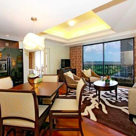 Wyndham Vacation Resorts Royal Garden at Waikiki Living Area