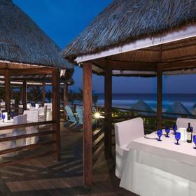 The Grand Lifestyle at Grand Oasis Cancun Beachside Restaurant