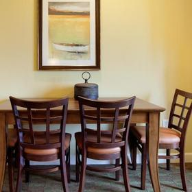 Holiday Inn Club Vacations at Lake Geneva Resort Dining Area