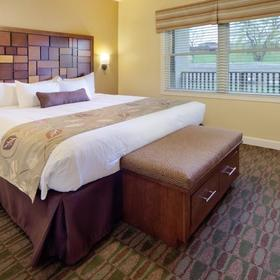 Holiday Inn Club Vacations at Lake Geneva Resort Bedroom