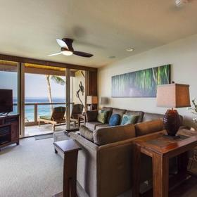 Keauhou-Kona Surf and Racquet Club Living Area