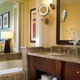 Westin Princeville Ocean Resort Villas Bathroom