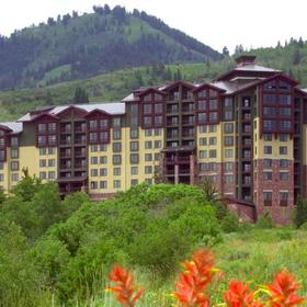 Canyons Grand Summit Hotel Exterior