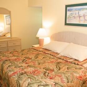 Smuggler's Cove Resort Bedroom