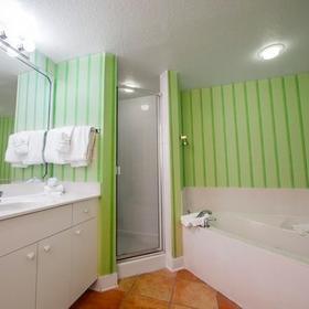 Holiday Inn Club Vacations Cape Canaveral Beach Resort Bathroom