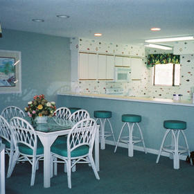 Coral Reef Resort - Unit Dining Area & Kitchen
