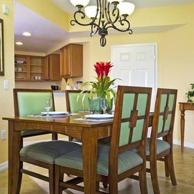Vacation Village at Parkway Dining Area