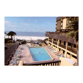 Commodore Beach Club - outdoor pool and beach