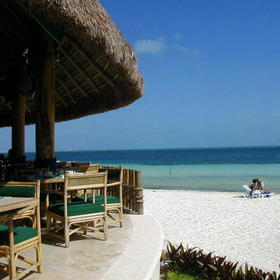 Imperial Fiesta Club at Hotel Casa Maya - on-site beach