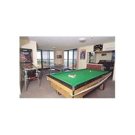 Sandy Point Beach Resort - Billiards/Pinball