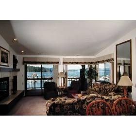 Pend Oreille Shores Resort - Unit Living Area