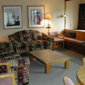 Jackson Hole Racquet Club - living room