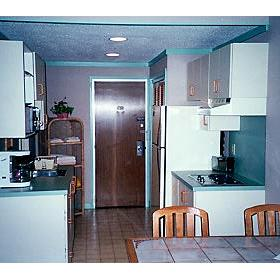 Cape Winds Resort - Unit Kitchen