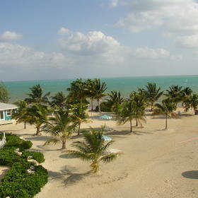 Grand Caymanian Resort - beach