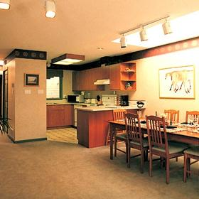 Pacific Shores Resort and Spa - Unit Dining Area