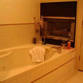 Pacific Shores Resort and Spa - Unit Bathroom