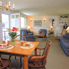 Brant Point Courtyard - Captain's unit