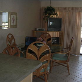 Jamaican on the Gulf - Dining Area